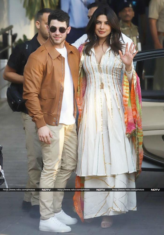 प्रियंका और निक जोनस शादी के लिए जोधपुर रवाना