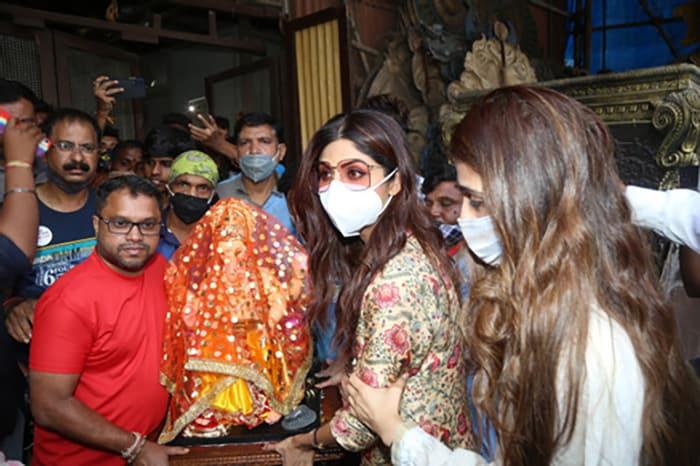 Pics From Shilpa Shetty\'s Ganesh Chaturthi Festivities