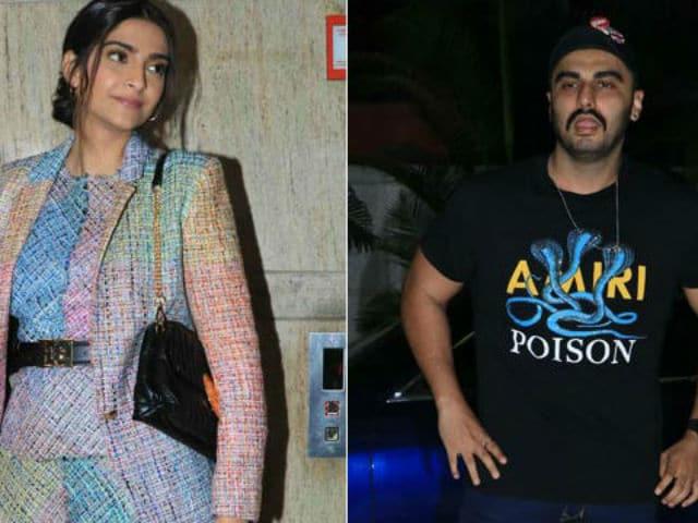 Ek Ladki Ko Dekha Toh Aisa Laga: Arjun Kapoor Attends Sister Sonam's Film Screening