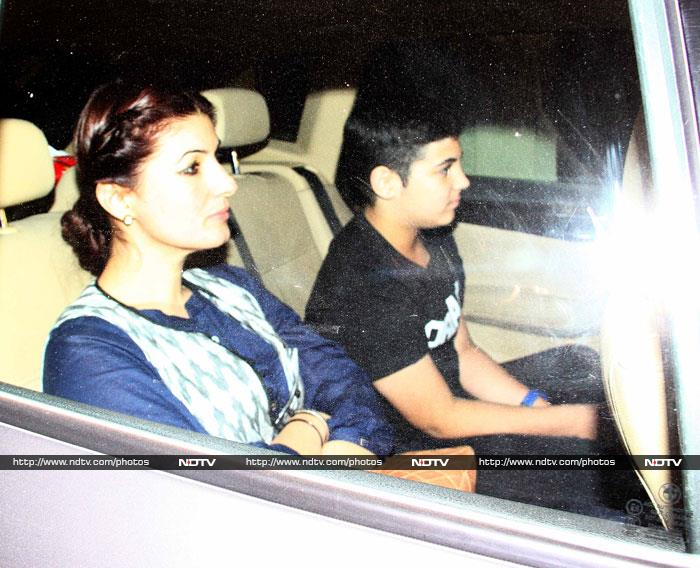 Anushka, Madhuri, Sonam, Twinkle\'s Movie Date With PK