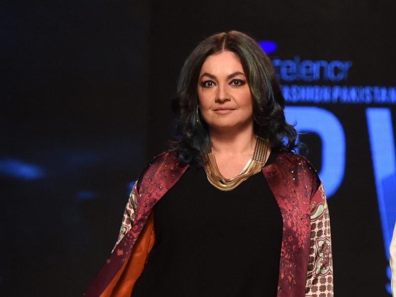 A Pakistani Fashion Extravaganza, Starring Pooja Bhatt