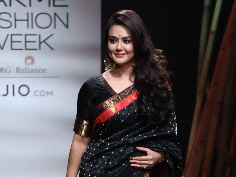 Lakme Fashion Week: Preity Zinta's Stunning 9 Yards Story