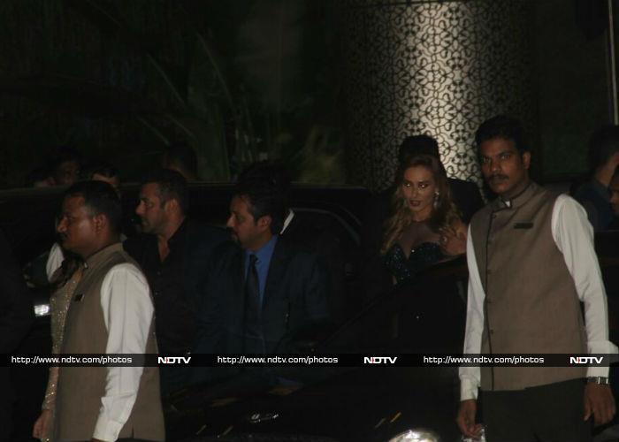 Salman Khan, Iulia and Other A-List Stars at Preity\'s Reception