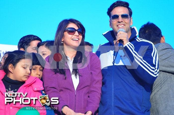 Akshay races for Special Chabbis