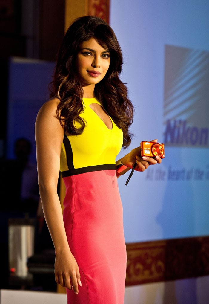 Keep clicking Priyanka