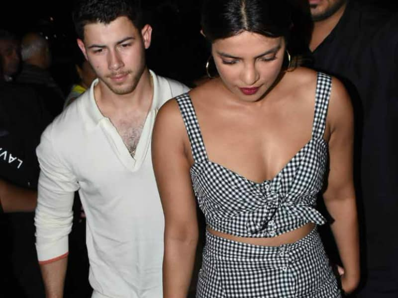 Priyanka Chopra, Nick Jonas Went On A Date And The Paparazzi Had A Blast