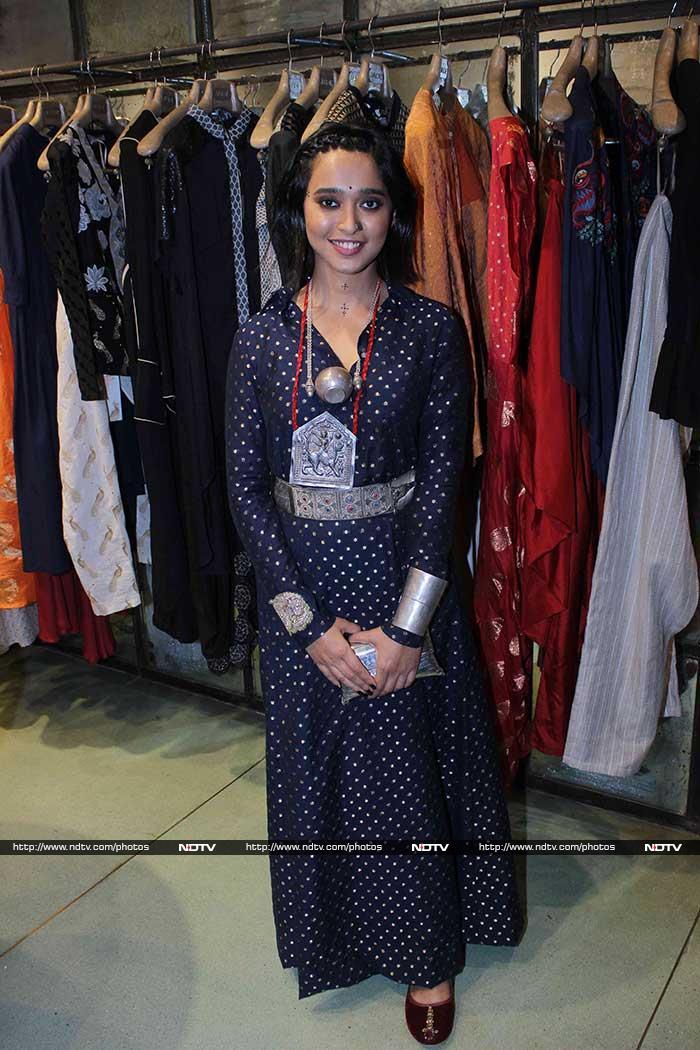 Radhika Apte Battled Monday Blues In Ethnic Red