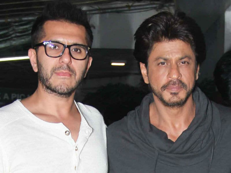 Photo : 'Battery' Charged, Shah Rukh Khan's Raees Day Out