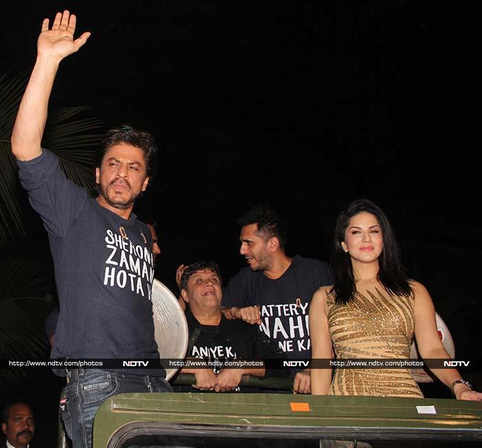 'रईस' की सक्सेस पार्टी में शाहरुख, नवाज और सनी लियोनी का धिंगाना