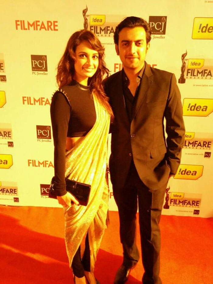 Celebrity roll call at Filmfare Awards 2014