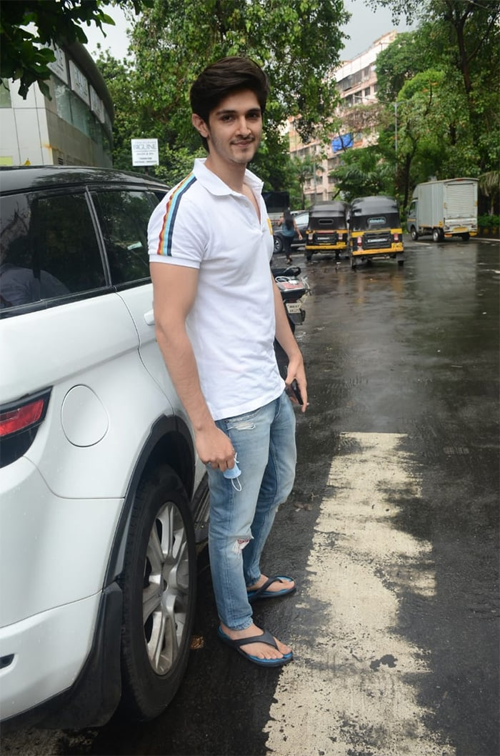 TV actor Rohan Mehra was pictured in Lokhandwala.