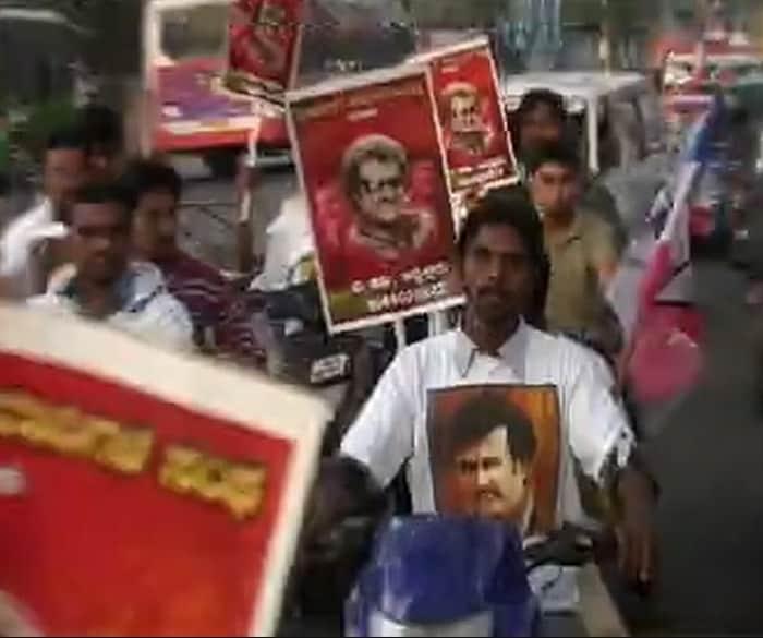 Rajinikanth\'s Fans Celebrates His Birthday, Lingaa Release