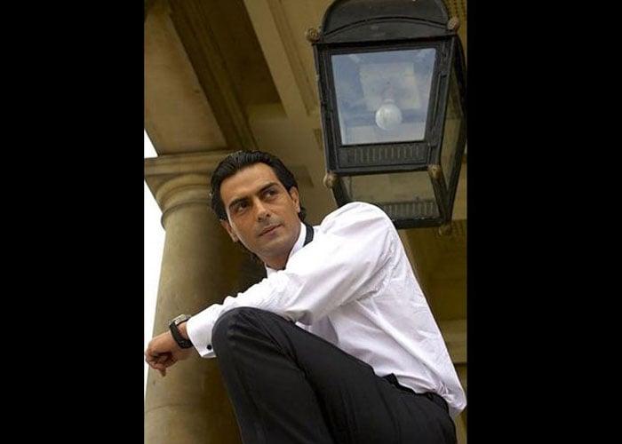 Arjun Rampal, Rocking On at 41