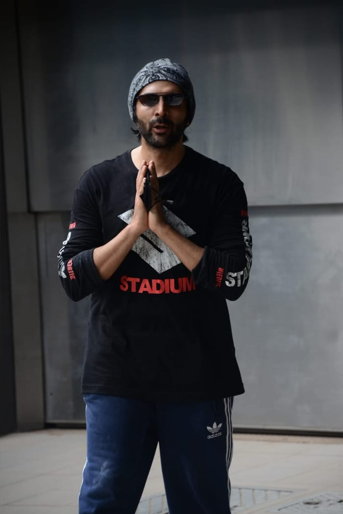 Kartik Aaryan was pictured outside his dance class.