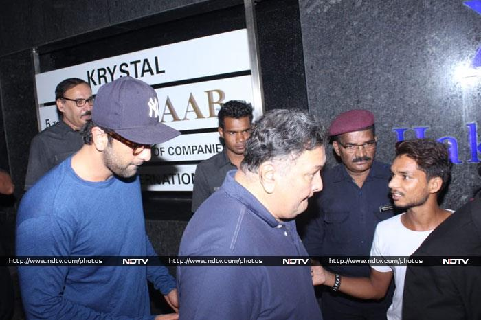 Ranbir Kapoor Steps Out For Dinner With Family
