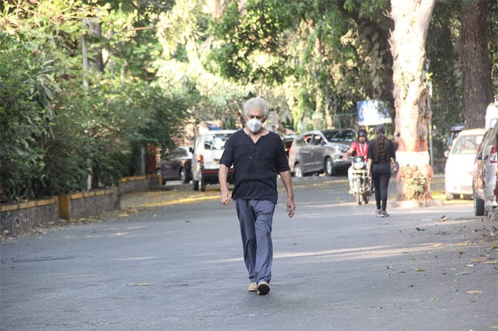 In another part of the city, veteran actor Naseeruddin Shah was spotted taking a walk in Bandra.