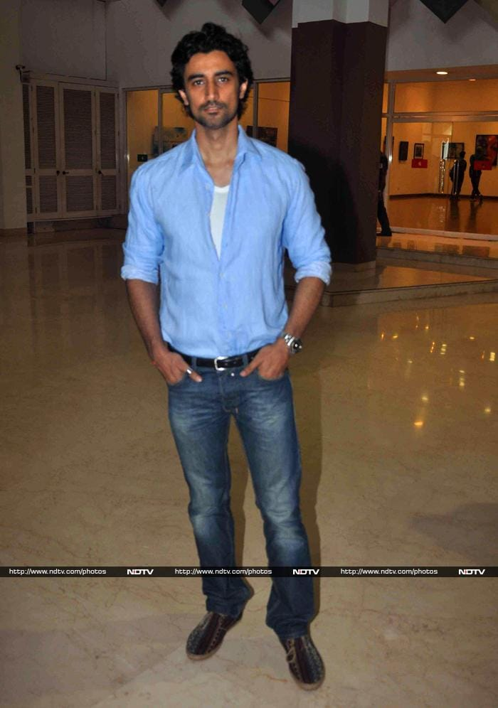 Imran, Vivek, Kunal\'s Charitable Outings