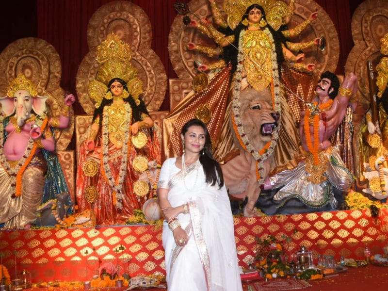 Durga Puja 2019: Rani Mukerji, Jaya Bachchan Celebrate With Family And Friends