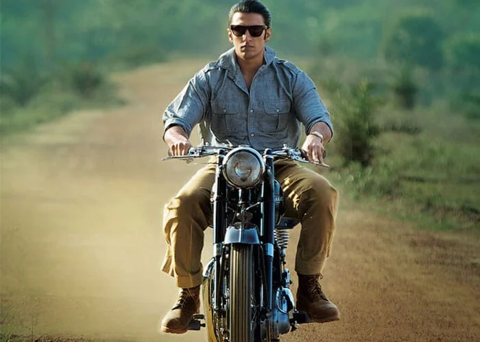 Ranveer\'s next release, Lootera (2013), directed by Vikramaditya Motwane and co-starring Sonakshi Sinha, was well received by critics and audiences and performed moderately well at the box office.