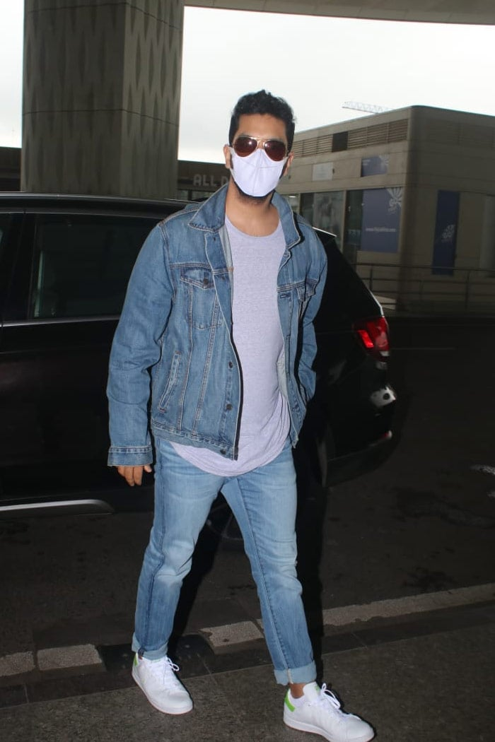 Can\'t Get Over Ranveer Singh\'s Airport Look. Can You?