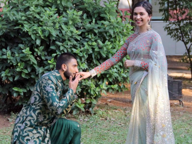 Photo : 'गुंडे' रणवीर ने सरेआम किया दीपिका से प्यार का इजहार!