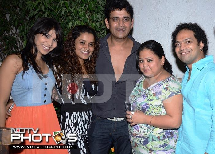 Ravi Kissen celebrates birthday with Jhalak Dikhhla Jaa friends
