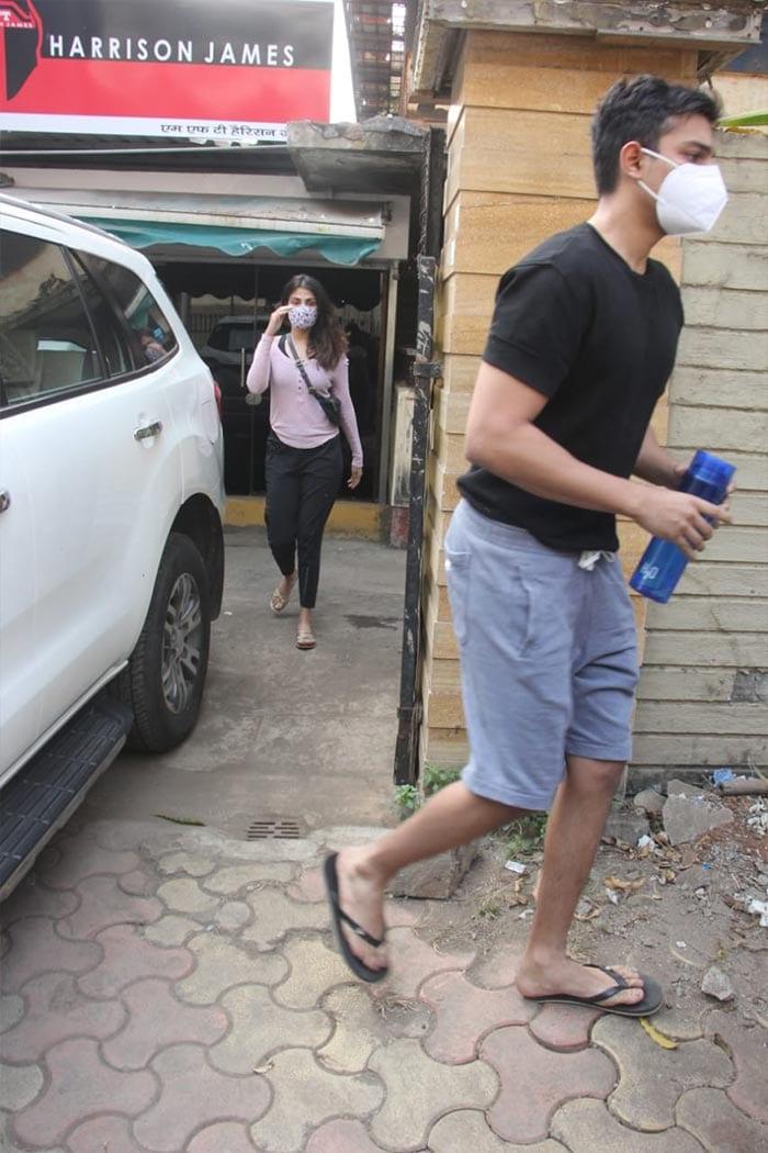 How Rhea Chakraborty Started The Week