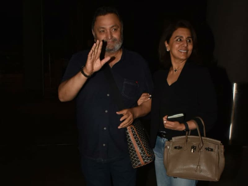 Rishi Kapoor And Neetu Kapoor Return To Mumbai
