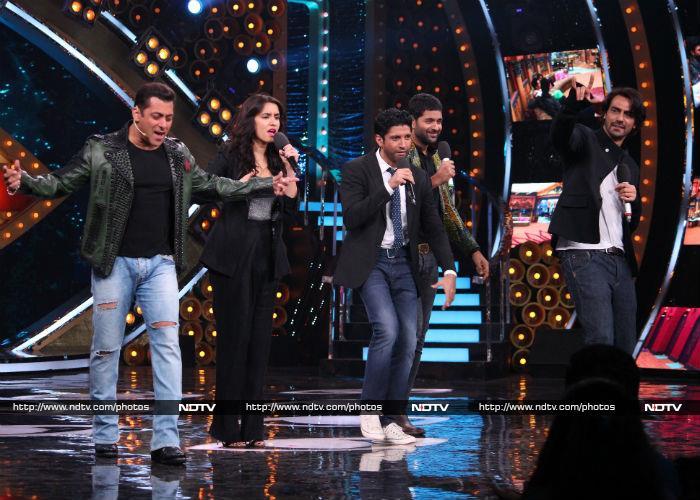 Salman Khan Rocks The Stage With Farhan Akhtar, Shraddha Kapoor At Bigg Boss 10