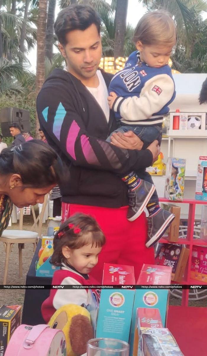 करण जौहर के जुड़वा बच्चे रूही और यश की बर्थडे पार्टी में पहुंचे वरुण धवन