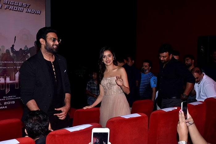 प्रभास और श्रद्धा ने अपनी आने वाली फिल्म 'साहो' का ट्रेलर किया लॉन्च