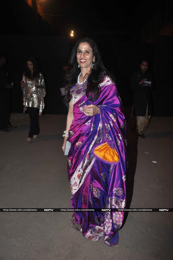 Deepika, Sridevi Lead Bollywood Brigade at Lakme Fashion Week