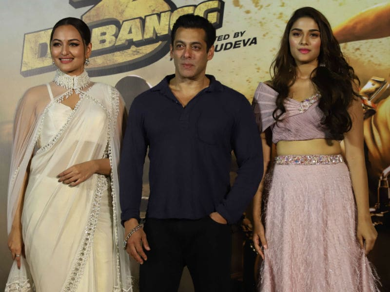 Salman, Sonakshi And Saiee Manjrekar Launch Dabangg 3 Trailer In Style