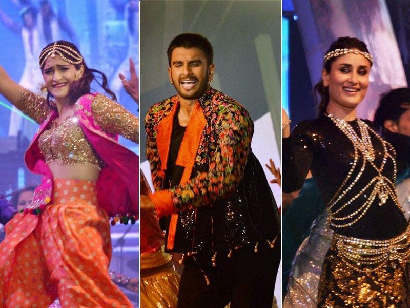 Photo : सैफई महोत्सव में जमकर थिरके सोनम, करीना, सोनाक्षी और रणवीर सिंह, देखिए तस्वीरें
