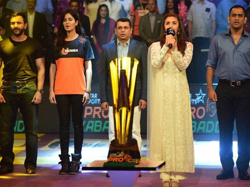 Captain Cool, Alia and Phantoms of Mumbai Root For Pro Kabaddi