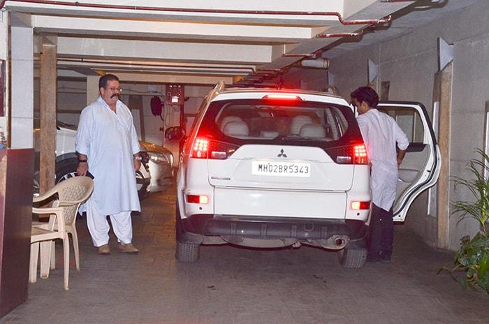 करीना कपूर और सैफ अली खान ने होस्ट की कुणाल खेमू की बर्थडे पार्टी