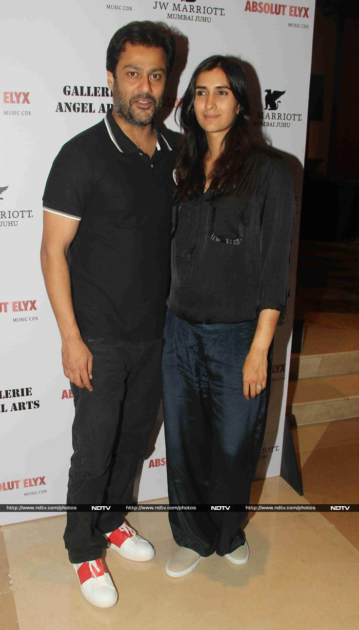 Bachchans\' Day Out; Alia, Sidharth\'s Dinner Date