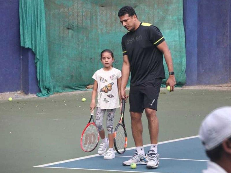Some Cute Pics Of Lara Dutta And Mahesh Bhupathi's Daughter Saira From The Tennis Court