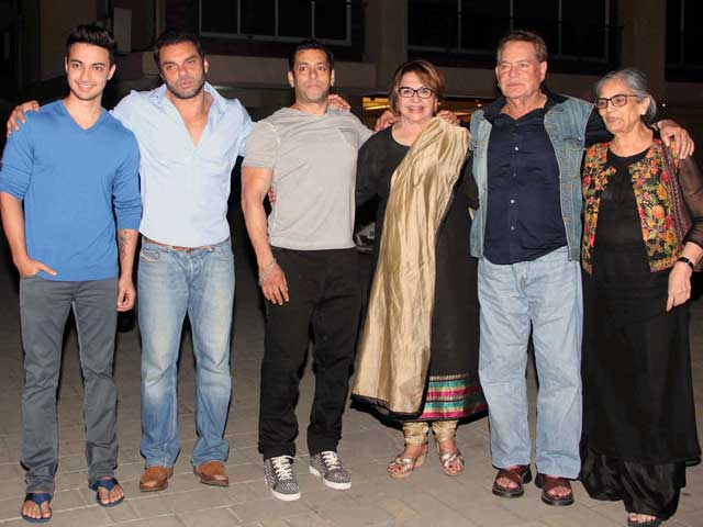 A Khan-Sized Birthday Party For Salman's Mother