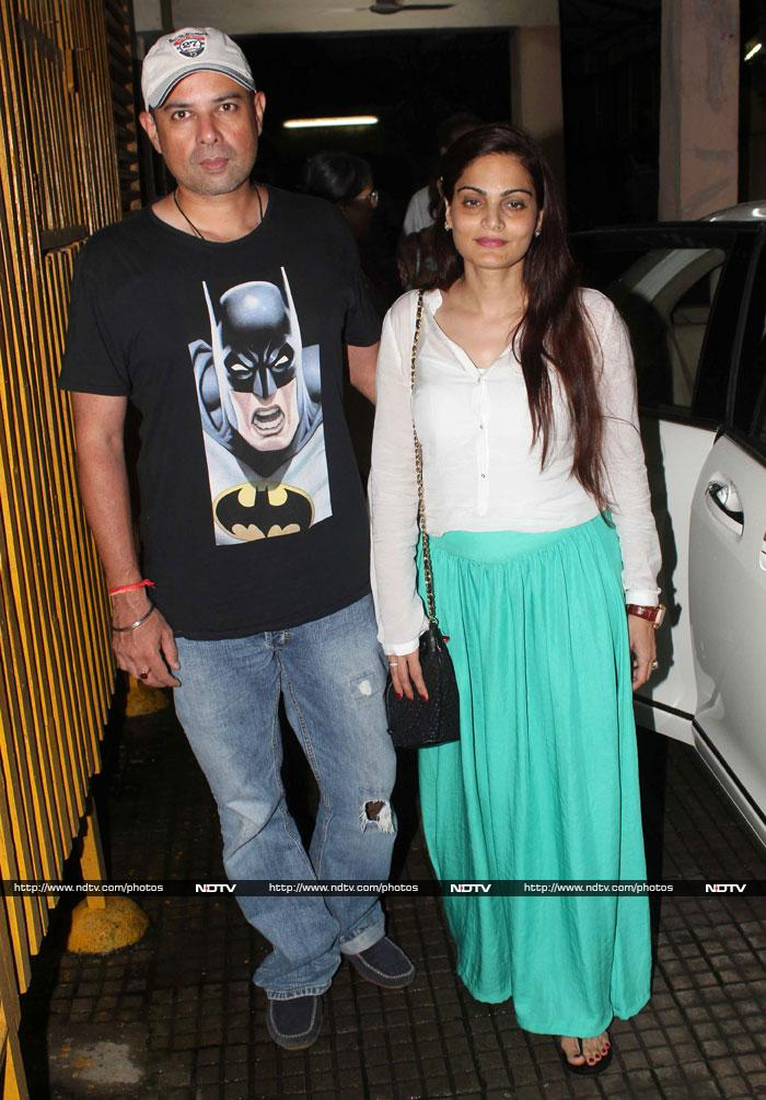 A movie date with Salman\'s family, friends