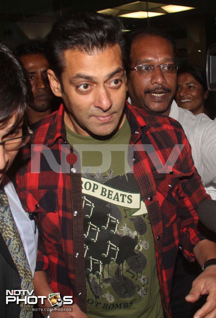 Salman returns, looks fit and fine!