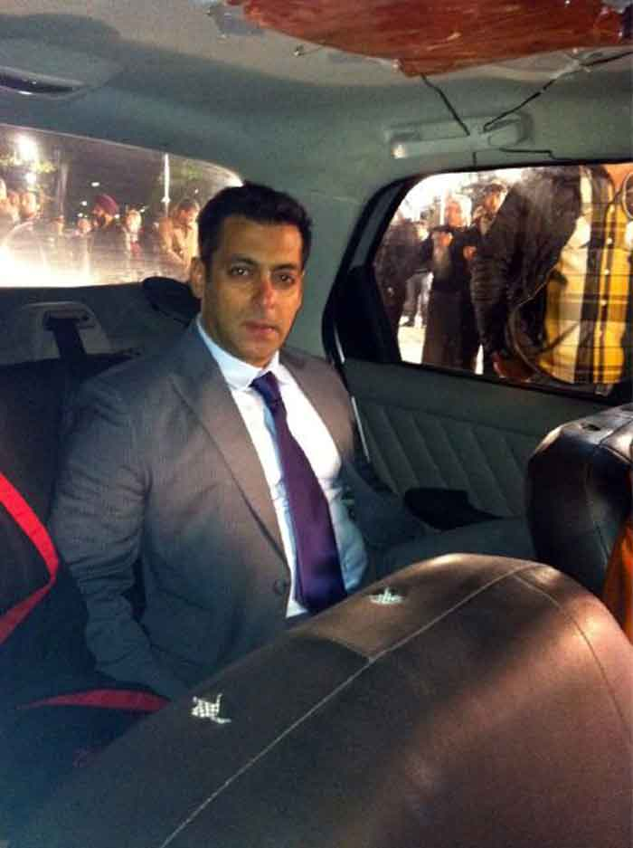 Tiger Salman\'s Diwali outing