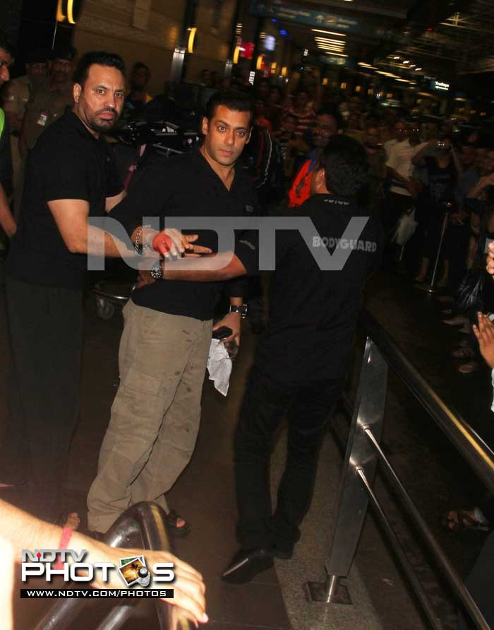 Salman off to US for difficult surgery