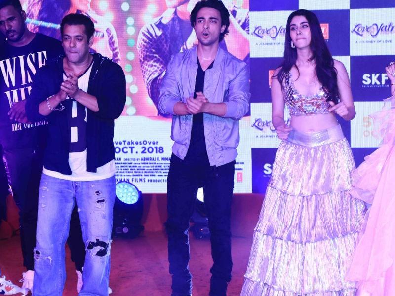 Photo : Salman Khan, Aayush And Warina Add Colours To Loveyatri Promotions