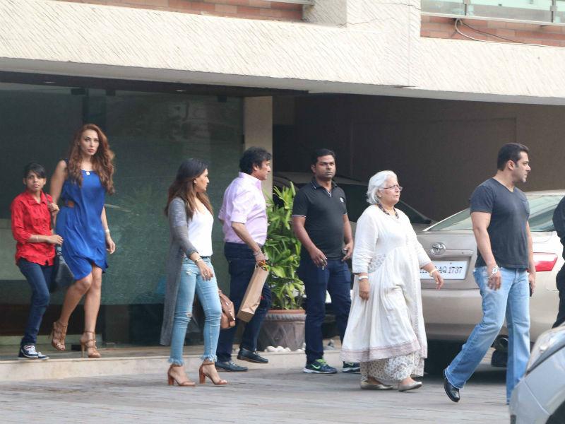 Salman Khan And Iulia Vantur's Christmas Date
