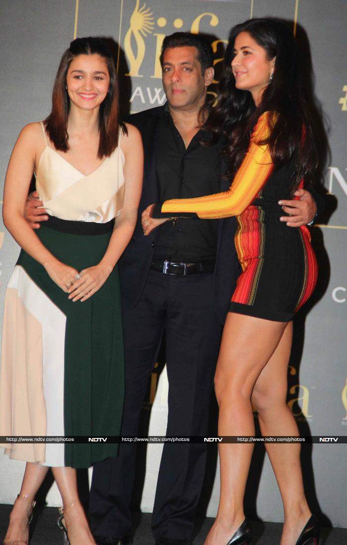 Salman Khan, Katrina Kaif And Alia Bhatt Look Bright And Happy-6941