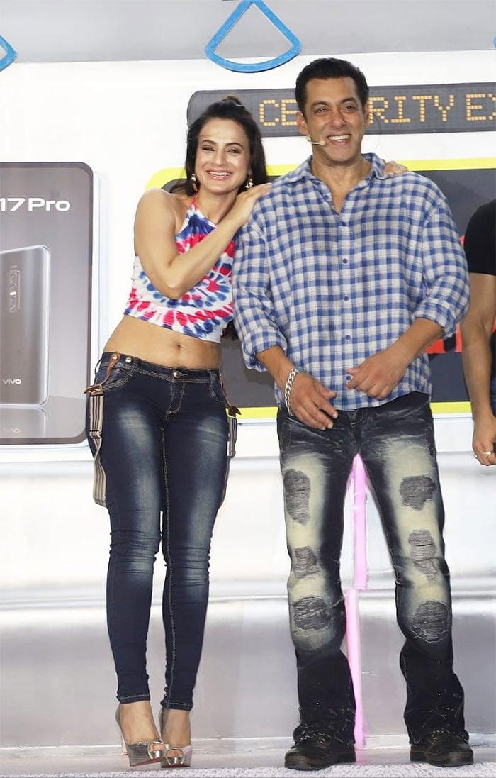 Salman Khan\'s Celebrity Express Stops At Station Bigg Boss 13