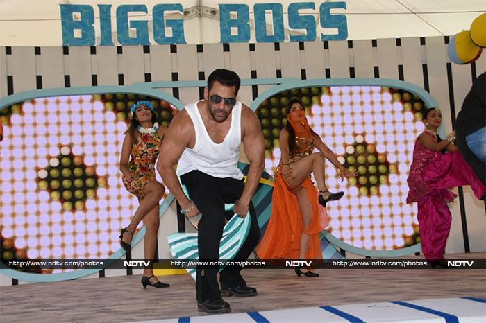 'बिग बॉस' के लॉन्च पर सलमान खान ने मारी धमाकेदार एंट्री