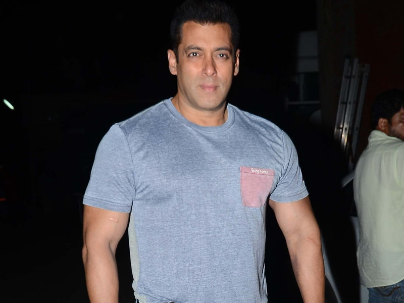 Salman Khan and Party Out and About in Mumbai