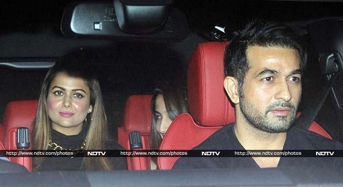 Salman\'s Grand Birthday Party With Kangana, Sonam